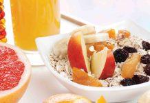 Budinca din fulgi de ovaz cu fructe