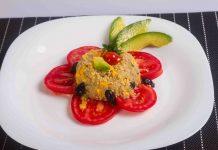 Quinoa cu legume si avocado