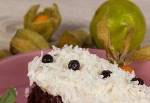 Mini tort cu karob si cocos