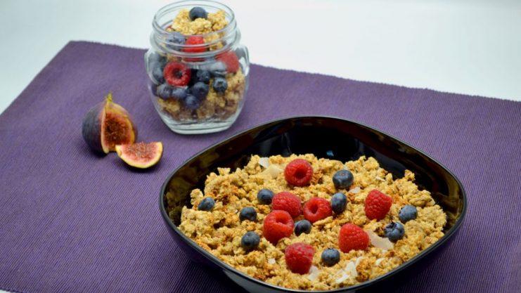 Granola din ovaz cu fructe