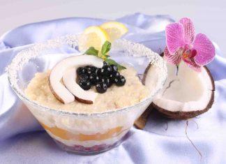 Budinca de tapioca cu fructe si lapte de cocos