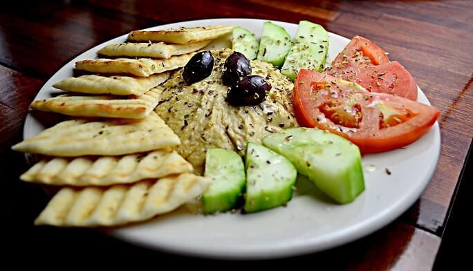 Reteta de humus clasic si alte 8 variante de retete humus din lume