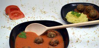 Chiftelute cu sos la cuptor