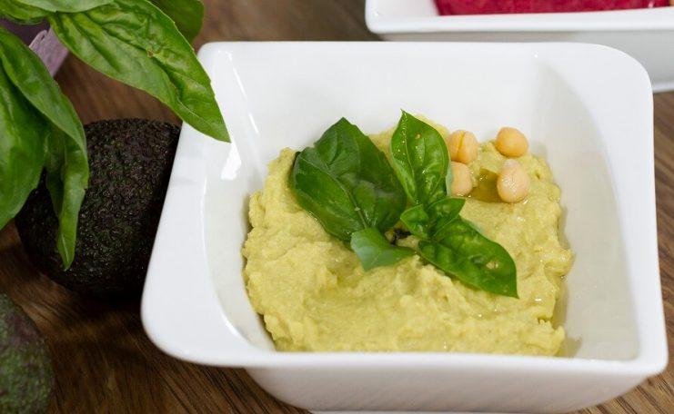 humus cu avocado