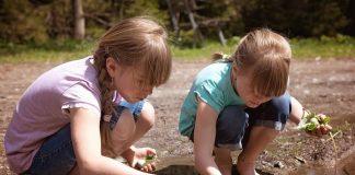 copii in natura