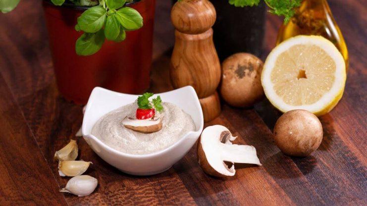 Pasta de tofu cu ciuperci