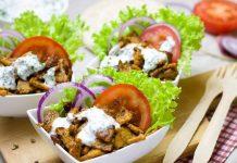 Kebab cu sos de cocos si condimente creole