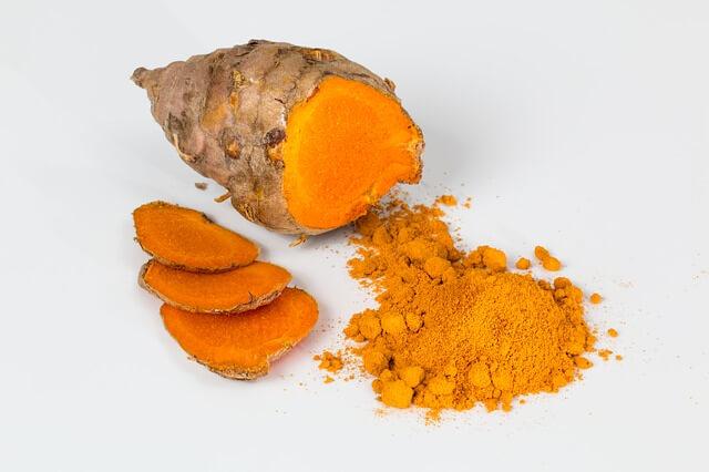 Turmericul indian, un condiment care ne ajută să slăbim