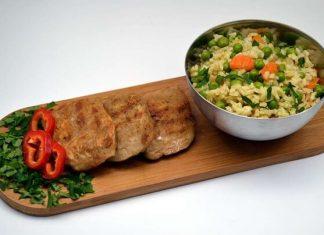 Friptura vegetala pe pat de orez brun