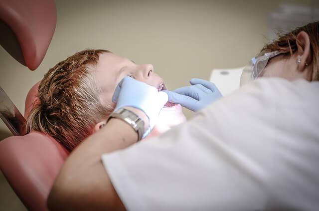 dentist carii zahar