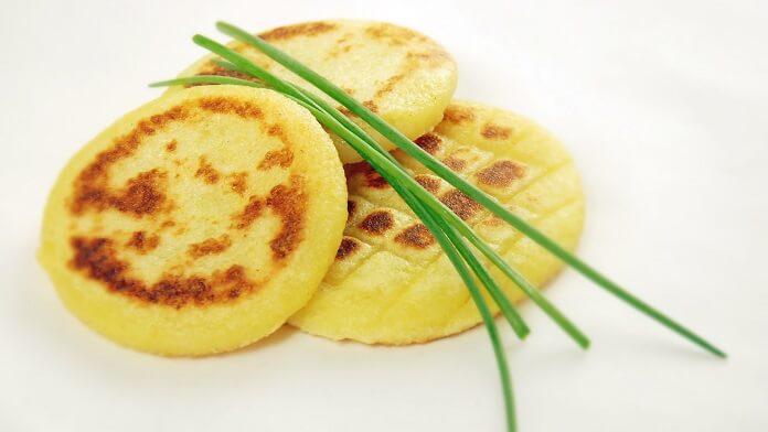 Chiftelute de cartofi umplute cu ciuperci