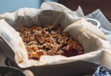 prajitura cu prune si aluat crocant