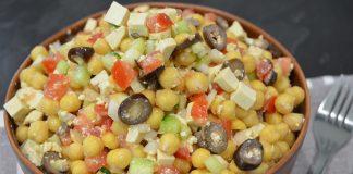 salata greceasca cu naut