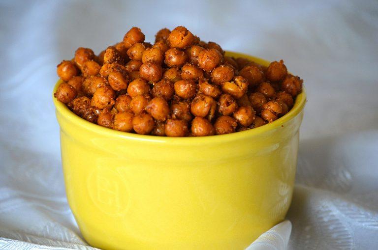 Snacks din năut copt (Roasted chickpea snack)