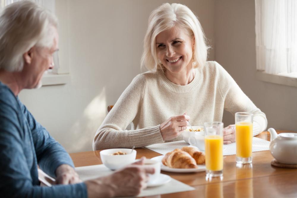 Cum ne schimbăm alimentația odată cu înaintarea în vârstă?