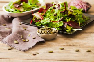 Salată de primăvară cu semințe