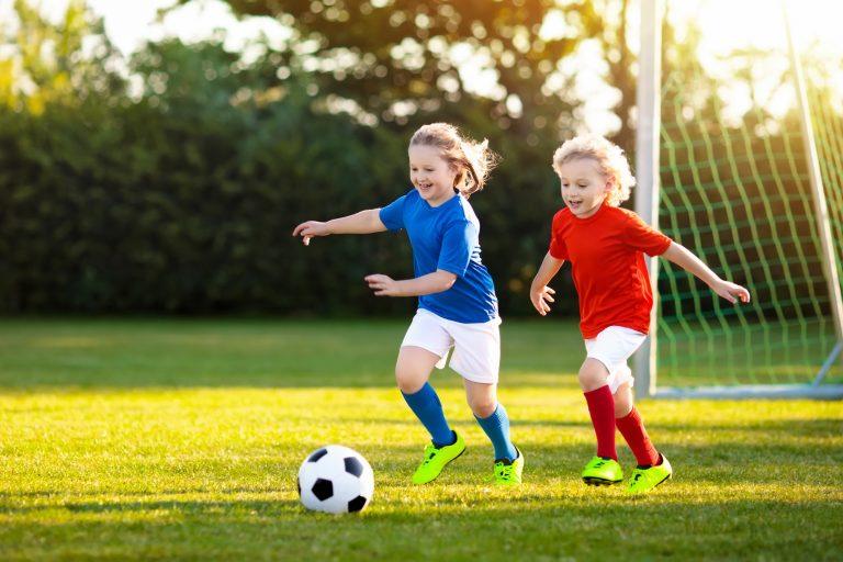 Cum te ajută sportul să îți crești sănătos copiii
