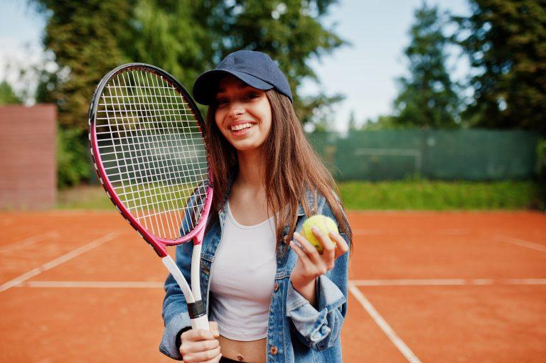 Cum și de ce să îți împrietenești copiii adolescenți cu sportul?