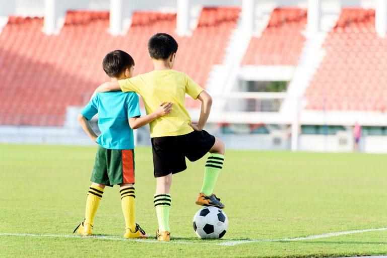 De ce și cum să încurajăm copiii să se apuce de un sport, să îl continue și să îl iubească