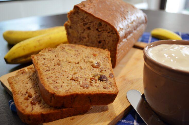 Banana bread cu mix tropical de fructe